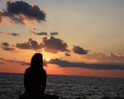 young_girl_and_ocean_sunset-other